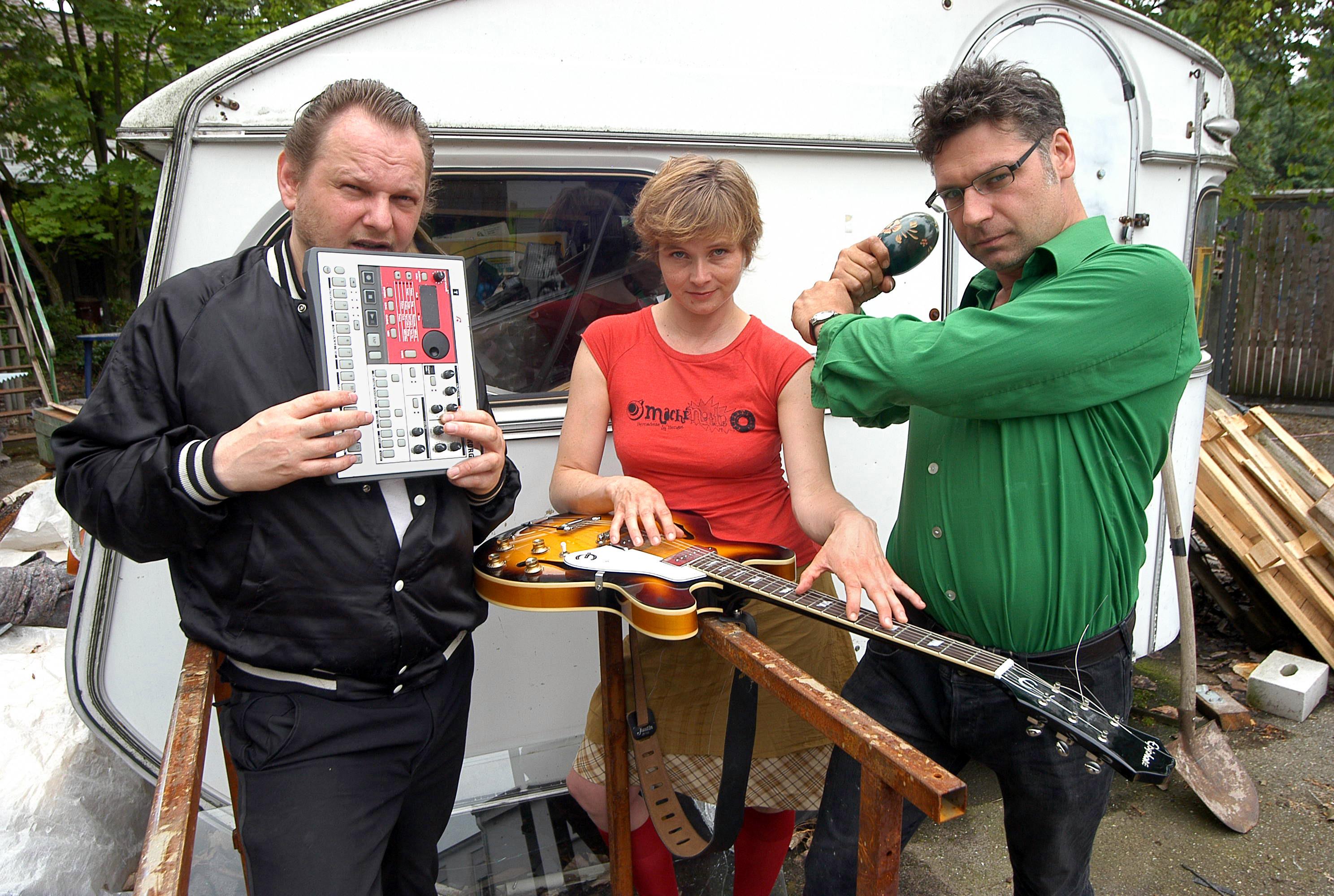 Die Zukunft: Knarf Rellöm, Bernadette La Hengst und GUZ