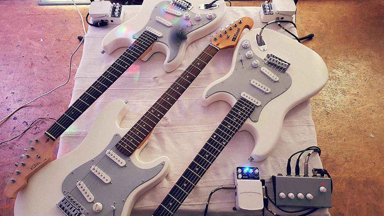 """Huey Walker - """"Oscillations"""" - Installation (Photo: Martin Hiller)"""