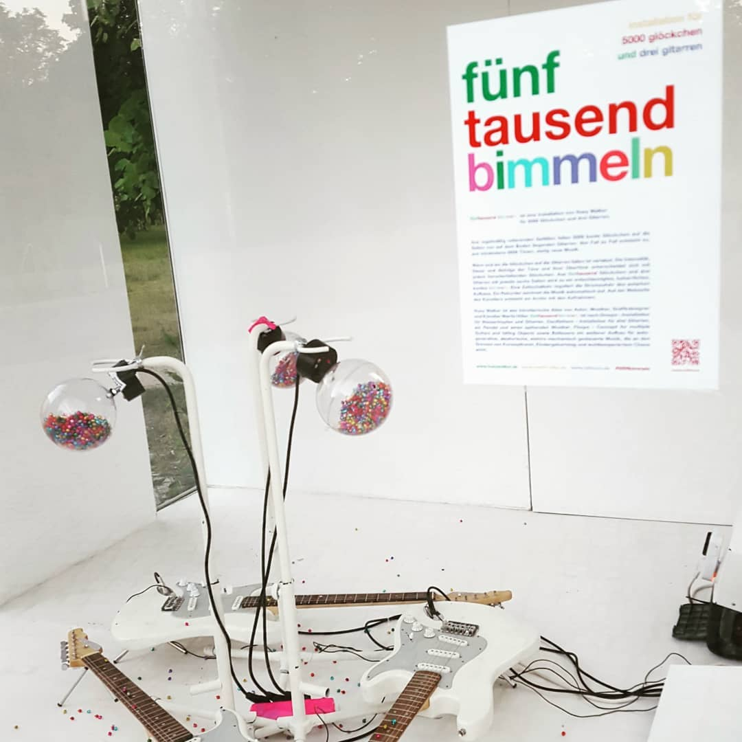 """Huey Walker – """"fünftausend bimmeln"""" (Installation View)"""