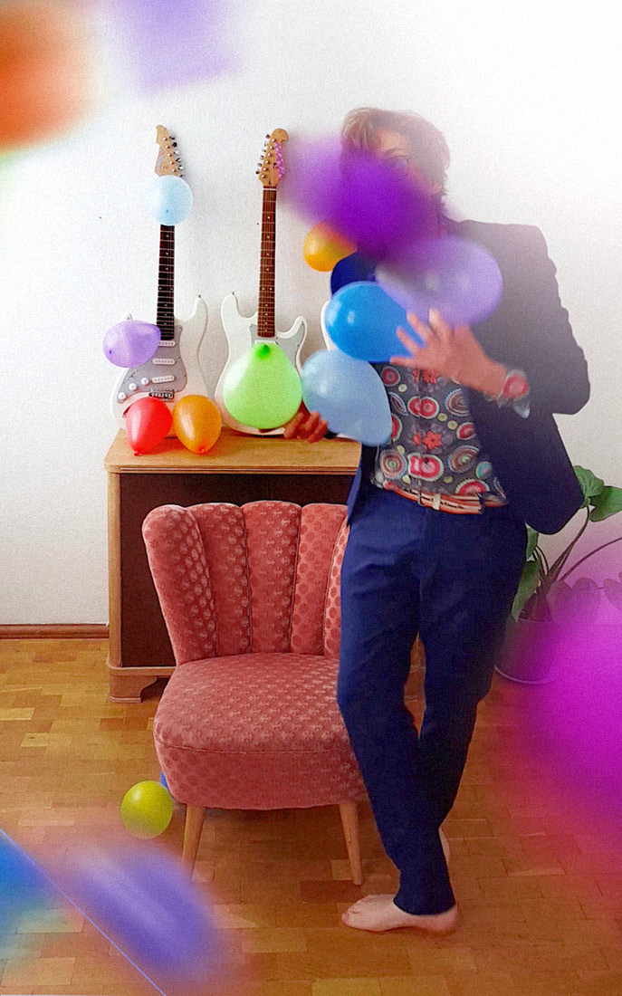 "Promotional Photo: Huey Walker - ""Ballooons - Installation for Guitars and Balloons"""