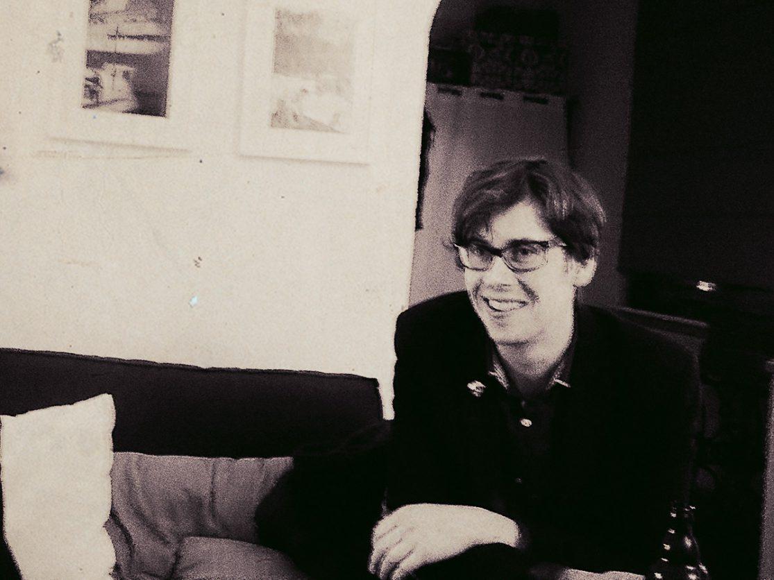 Photo: Der Kurator Huey Walker im Gespräch mit Ferdinand F.