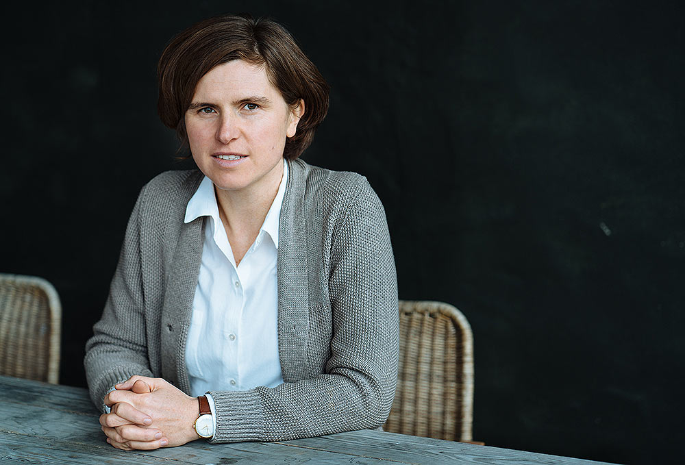 Judith Schalansky Photo: Jürgen Bauer / Suhrkamp Verlag)